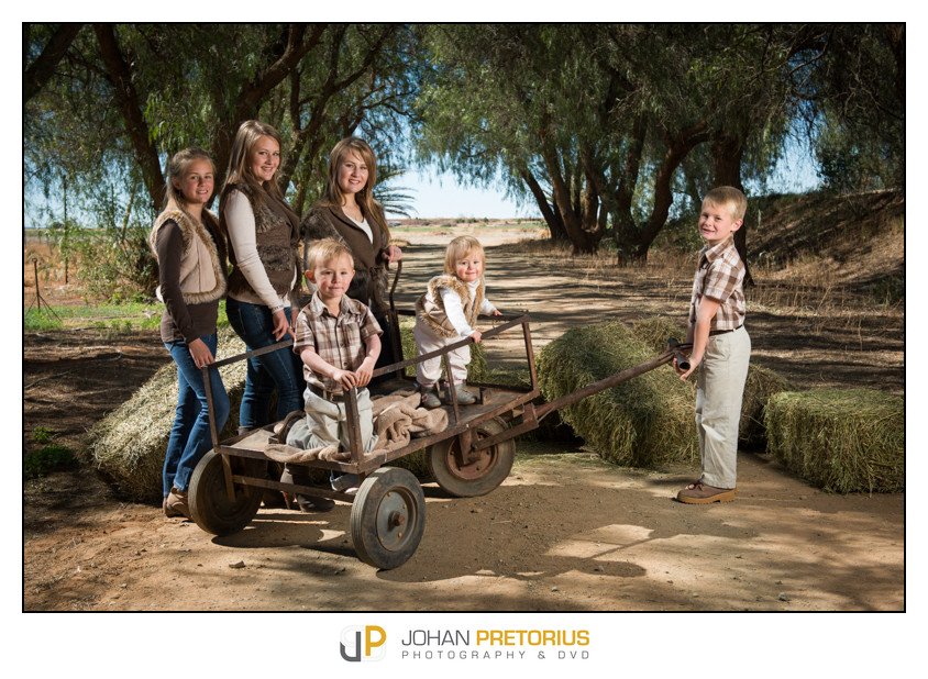 Louwtjie & Cornel Steyn Family session on their farm