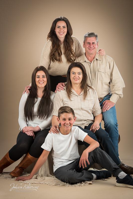 Anton & Hanlie du Plessis family studio session by Bloemfontein photographer Johan Pretorius